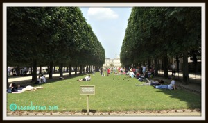 It is o.k. to walk on the grass Luxembourg gardens Paris