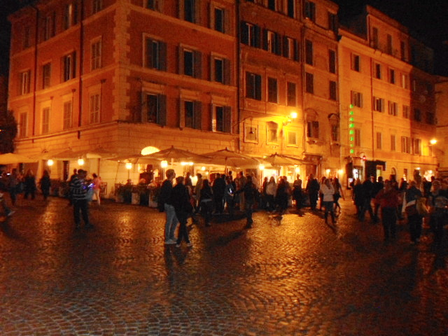 Piazza Santa Maria Trastevere